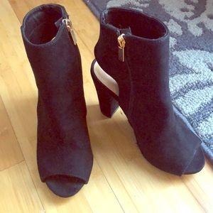 Black shoes size 6 1/2
